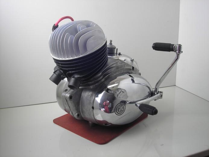 motor CZ125C (11)